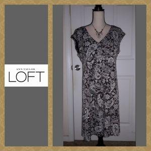 💖 LOFT Flattering Paisley Print Dress